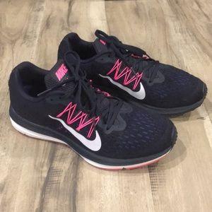 🌲NIKE🌲Women's 9.5 Running shoes